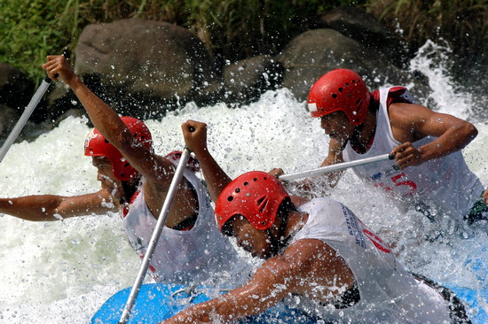 rafting: feel the power and your adrenalin