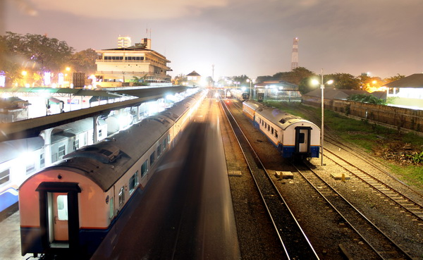 Train Station at 8 am (photo credit: joko guntoro)