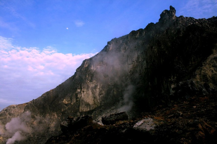 Top of Mt. Sibayak in the morning (photo credit: joko guntoro)