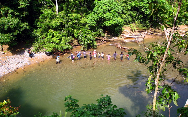 local visitors enjoying the river (photo credit: joko guntoro)