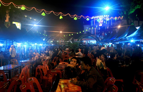 ramadhan fair, it is a like as night market in ramadhan, a fasting season for moslem. (photo credit: joko guntoro)
